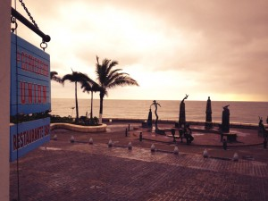 Waiting for the storm to clear, Cabos