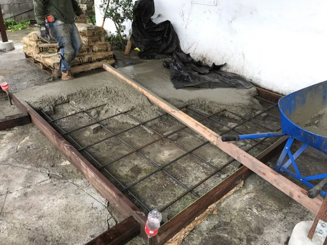 Hot tub platform with rebar before cement pouring