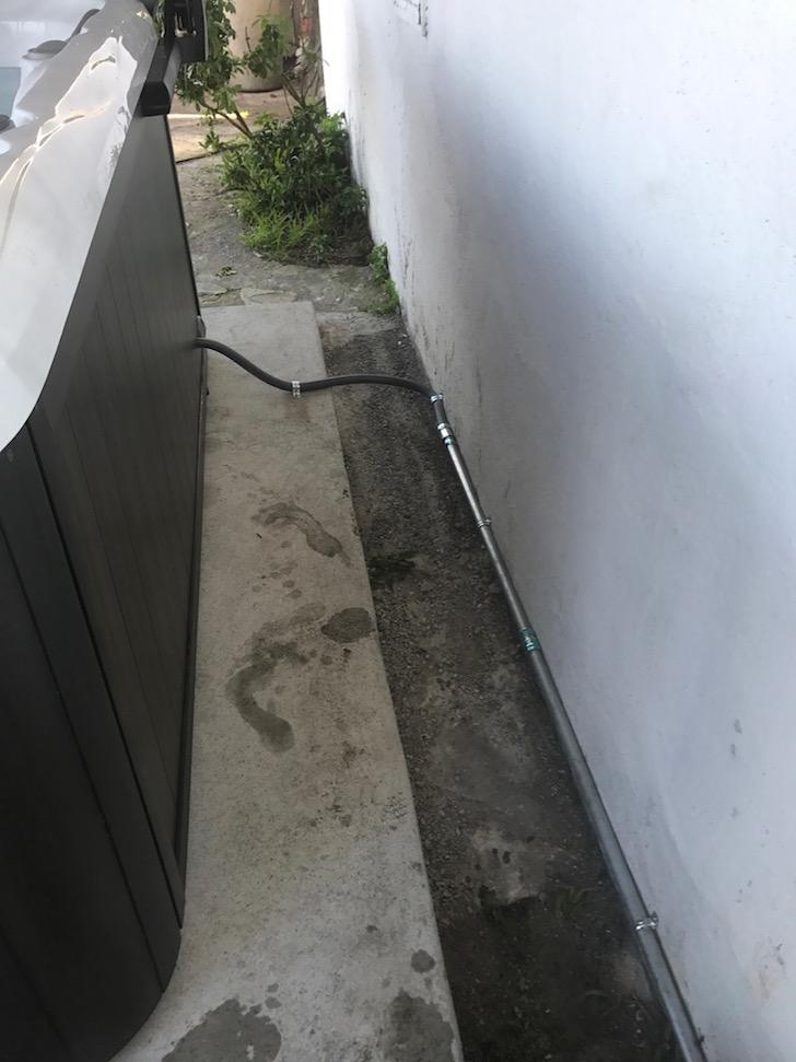 Hot tub electrical wiring conduit 210V