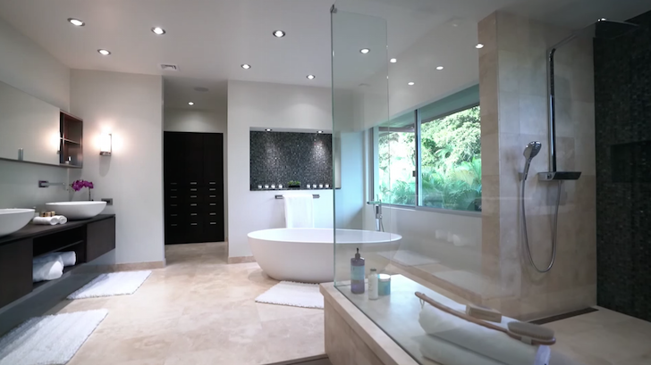 What it's like living in a mega mansion - bathroom