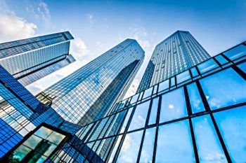 Main reasons to invest in commercial real estate